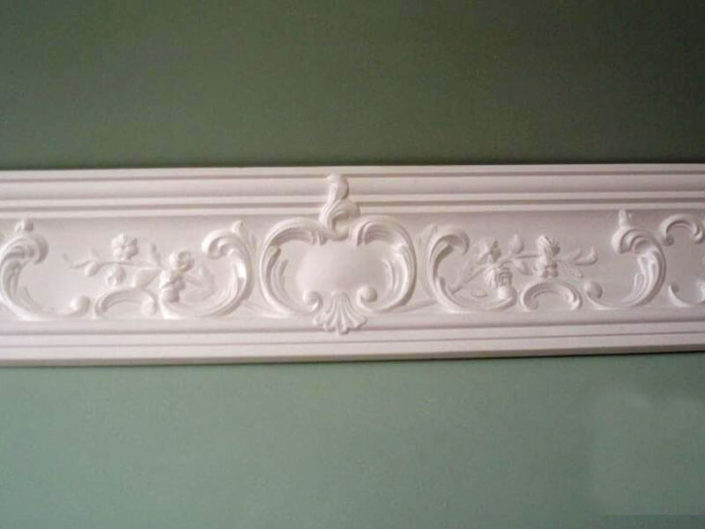 Cove CW20a Criss Cross with Motif Cornice